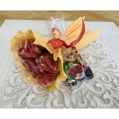 Pack ramo 7 rosas + Bolsita con bombones y galletas